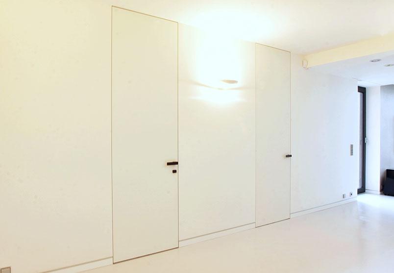 interiérové dveře a neviditelné zárubně